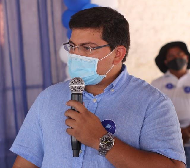 Elesbão Veloso: Vice-prefeito Dr. Arthur Paes Landim trabalha incansavelmente para melhorar a estrutura do HENM e construção de campo no Mundoco