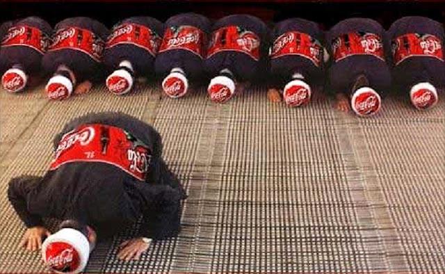 Foto iklan coca-cola ini lecehkan umat Islam