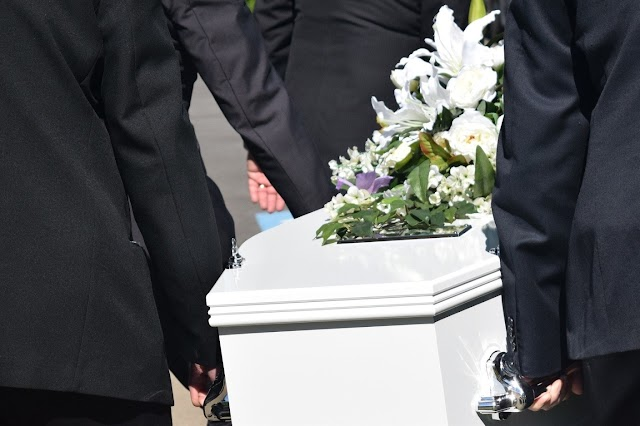 Your Essential Guide to Planning Your Loved One's Funeral