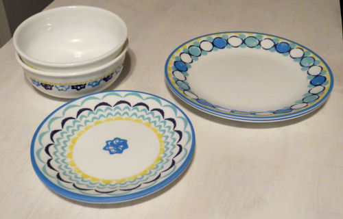 Corelle dishes blue and yellow