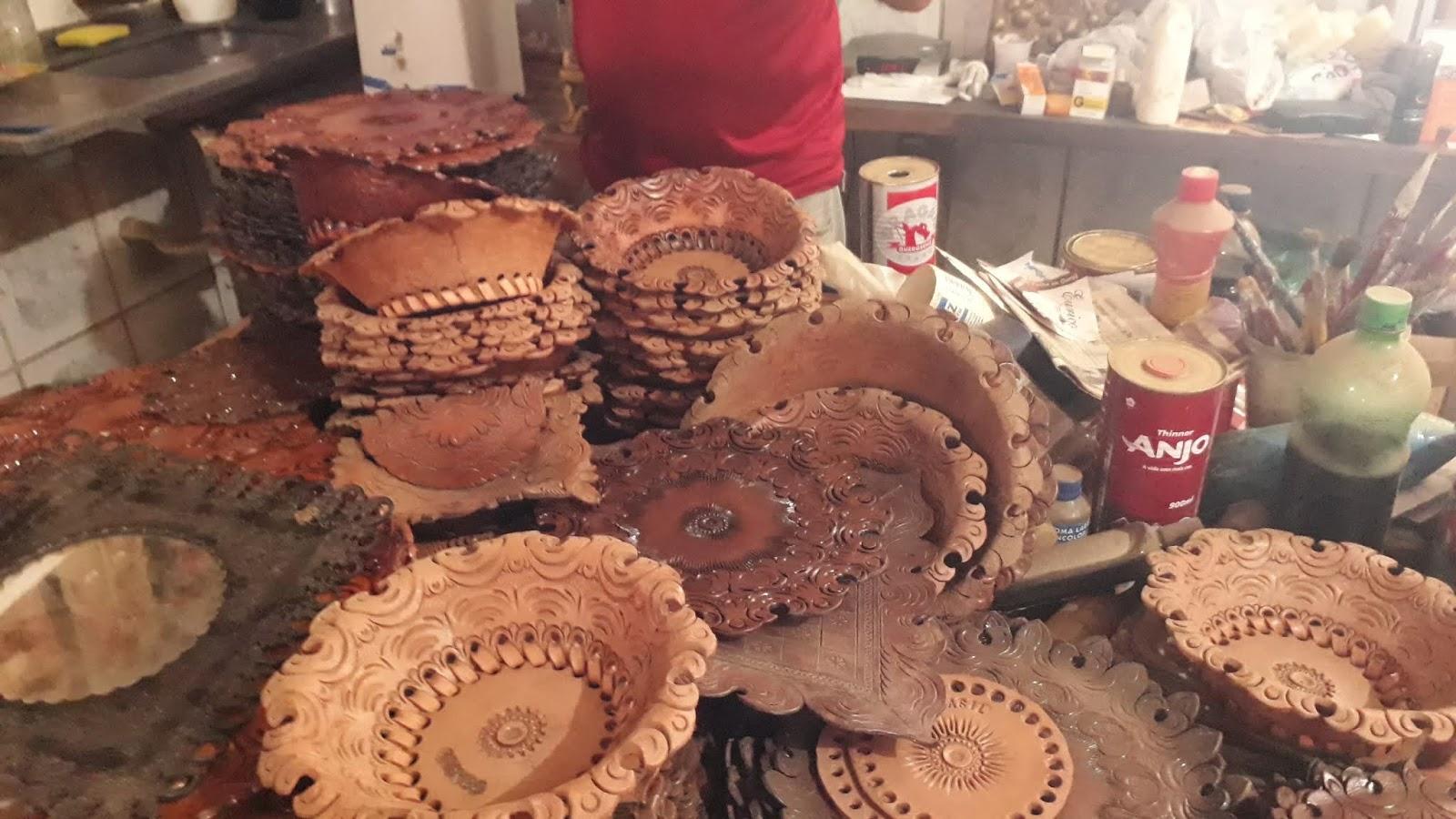 Loja de artesanato no couro de Prados - senhor Eurico