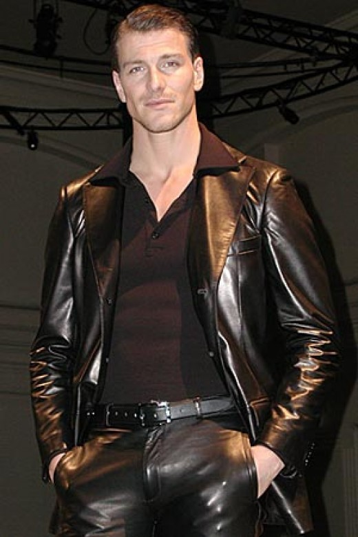 Gay Men Wearing Leather 6