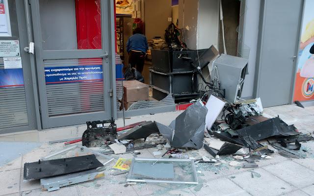 2bbf9460ae ΖΕΙΔΩΡΟΝ  Ανατίναξαν ΑΤΜ στην Ηλιούπολη  Διέλυσαν το κατάστημα ...