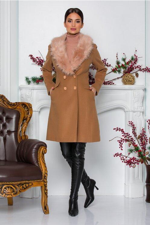 Palton elegant mediu de iarna de femei crem cu blanita detasabila la guler