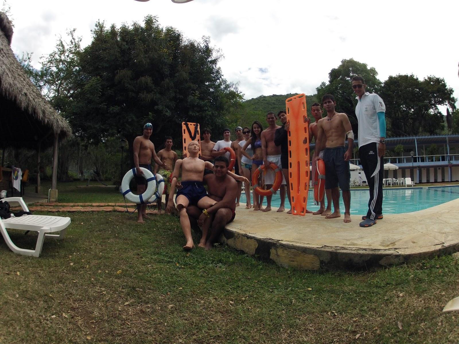 Formaci n complementaria salvavidas de piscinas for Salvavidas para piscinas