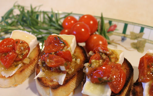 Mouth Watering Roasted Tomato and Brie Bruschetta