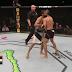 Sport insolite: deux lutteurs MMA se font un câlin en plein combat (Vidéo)
