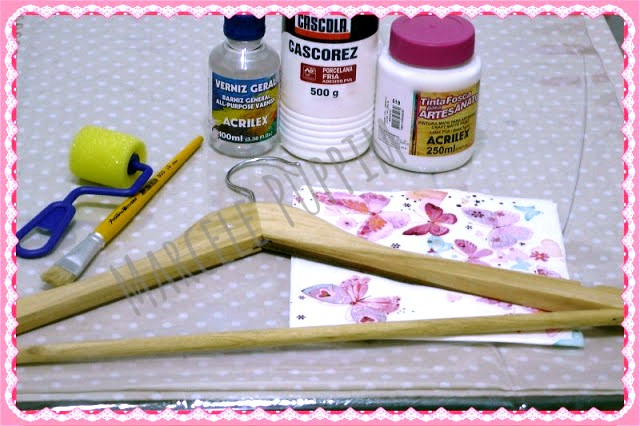 material-cola-tinta-artesanato-cabide-pincel