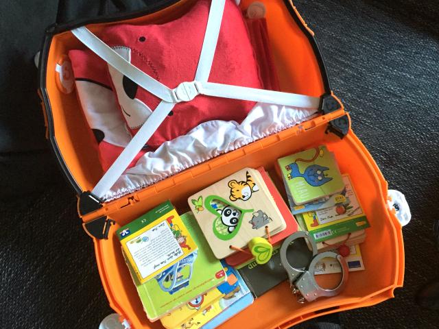 Wenn Kinder Koffer packen: 20 Bücher und Handschellen...