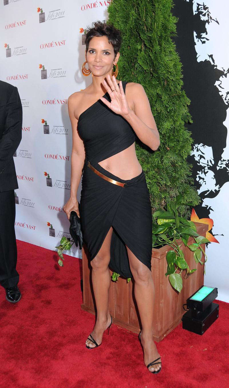 Halle Berry Upskirt 56