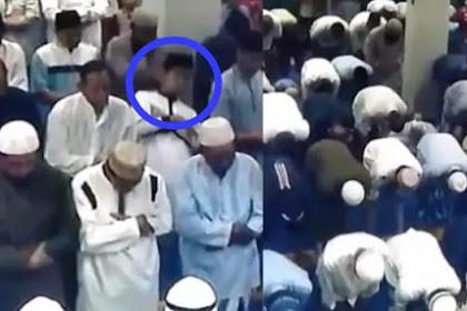 Detik-Detik Seorang Pemuda Meninggal Ketika Sedang Melaksanakan Sholat Subuh Berjama'ah