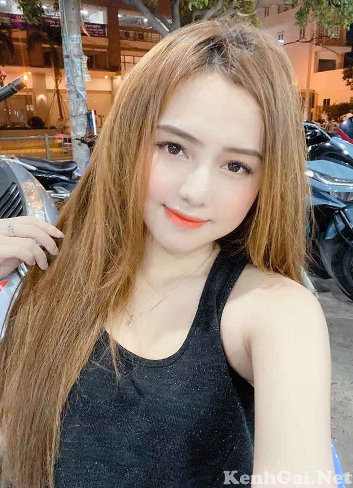 Model Ngân Quỳnh | E-CUP