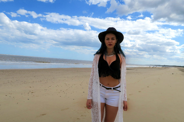 boho beach style blogger @ hayleyeszti