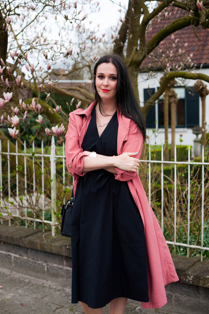 Outfit: Uniqlo x Lemaire sundress, pink trench