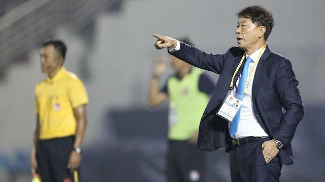 HLV Chung Hae-seong đồng ý ngồi lại 'ghế nóng' CLB TP.HCM