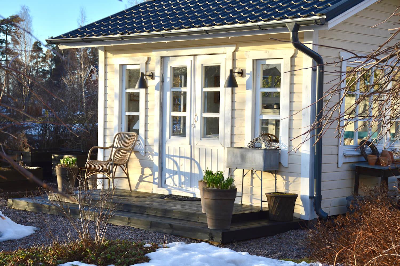 kesähuone-cottage-garden