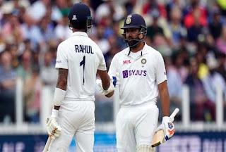 रोहित शर्मा ने शानदार बल्लेबाजी करते हुए विदेश में अपना पहला शतक ठोका। रोहित 127 रन बनाकर आउट हुए