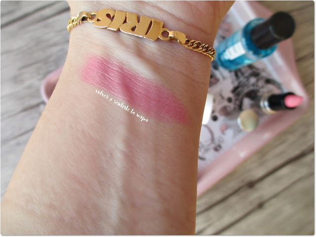 Swatch de Rouge Shine Lipstick de Sephora - 14 Love Spell