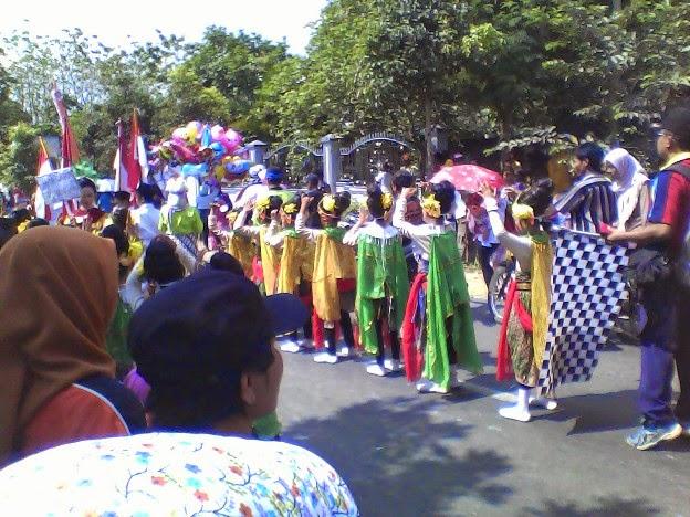 SDN Laju Kidul diKarnaval Kecamatan Singgahan