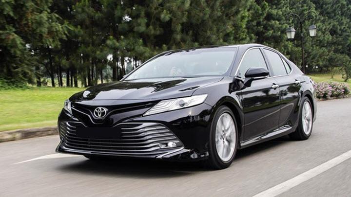Toyota Camry mới bị triệu hồi do lỗi bơm xăng