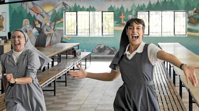 Gracia Olayo y Belén Cuesta, en uno de los números musicales de La llamada