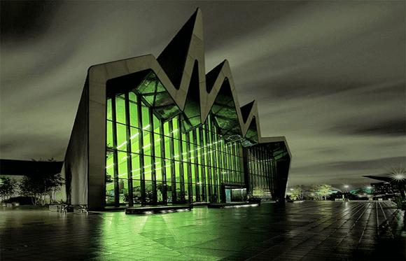 Estranhos-Riverside-Museum