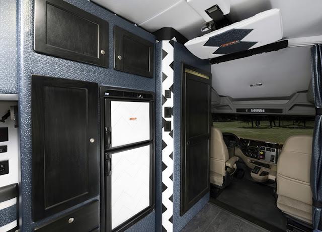 dieciocho ruedas peterbilt 579 bolt una casa un apartamento sobre ruedas. Black Bedroom Furniture Sets. Home Design Ideas