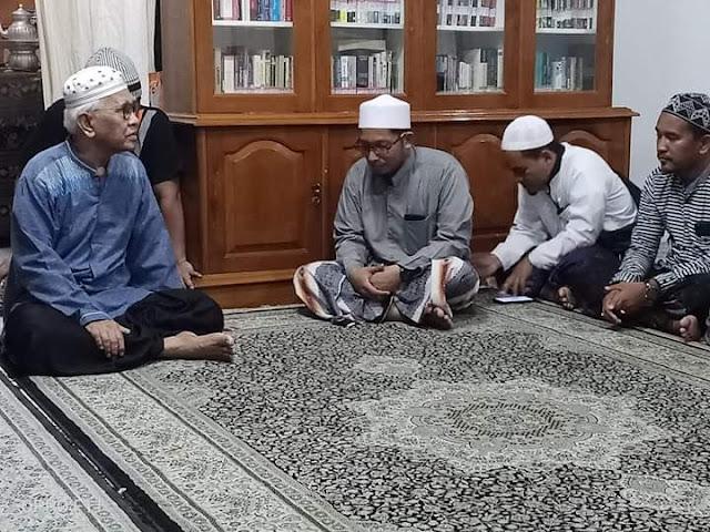 Akhirnya, Umar Hamdan Karrar Sowan dan Minta Maaf ke Gus Mus