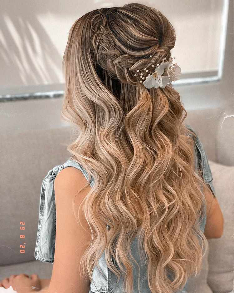 good hairstyles for curly hair