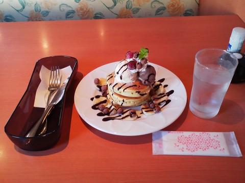 バースデーパンケーキ¥0-3 デニーズ大垣店
