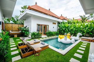 3 bedroom villa at the top of Batu Belig. Three spacious en-suite bedrooms, enclosed living, dining and kitchen and a 7.5x3.5m pool that receives plenty of sunshine.  Featuring a hanging day bed with views over the green belt rice field via the 3m wide sliding gate