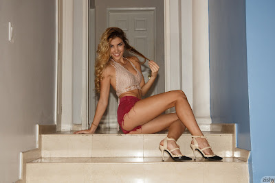 Zishy Viani Duran Has Ridges Picture Set