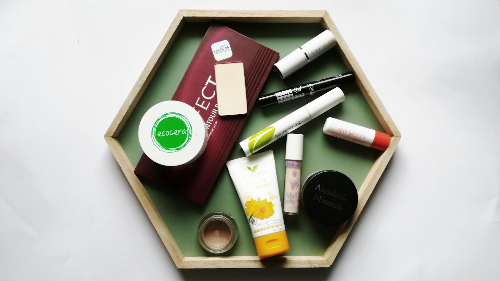 Czy makijaż w weekend to konieczność i skoro nie, to dlaczego warto oraz jak go wykonać