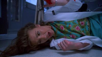Stacie Randall dans PUPPET MASTER 4, film fantastique réalisé pare Jeff Burr