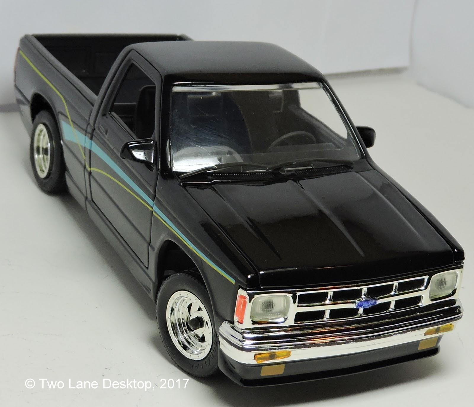 Revell 1 24 1991 Chevrolet S 10 Pickup Custom