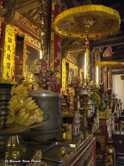 Altares del Đền Lý Bát Đế - Vietnam por El Guisante Verde Project