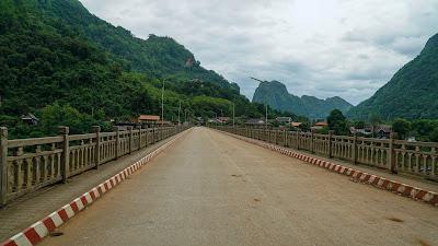 Nong Khiaw bridge