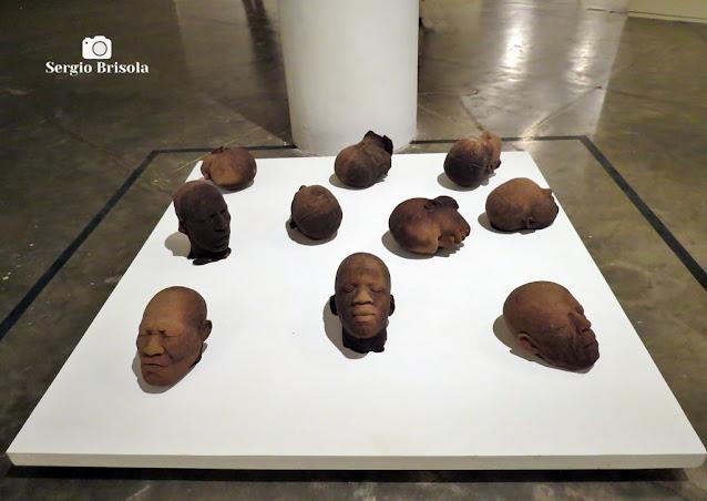 Close-up das Esculturas Cabeças de Açúcar - OCA do Ibirapuera - São Paulo