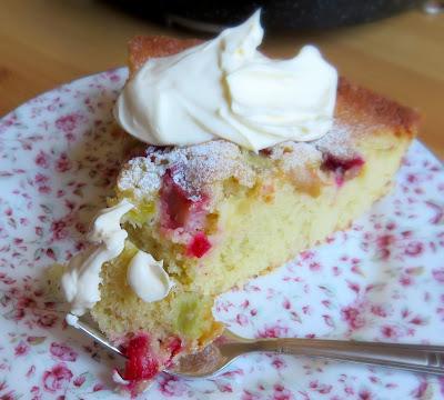 Quick & Easy Rhubarb Cake