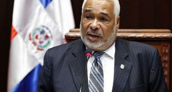 Reeligen a Radhamés Camacho, presidente de la Cámara de Diputados; danilistas violentan acuerdo con leonelistas