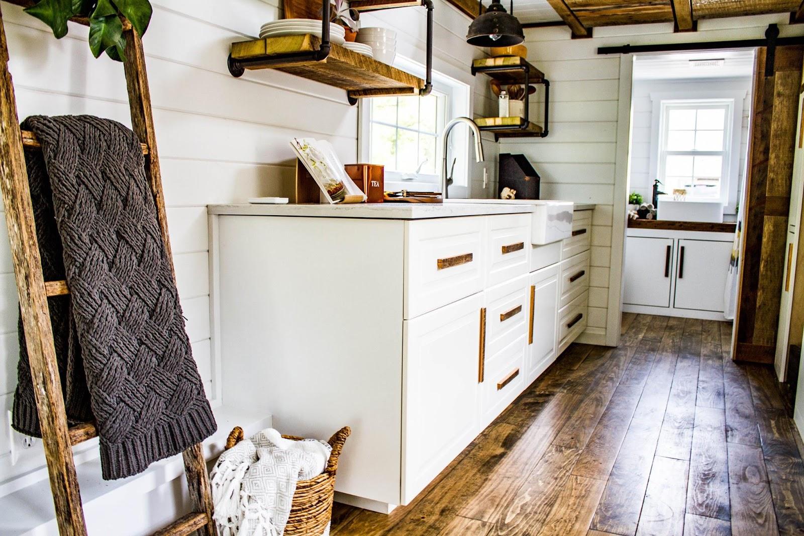 TINY HOUSE TOWN: Liberation Tiny Homes Farm House