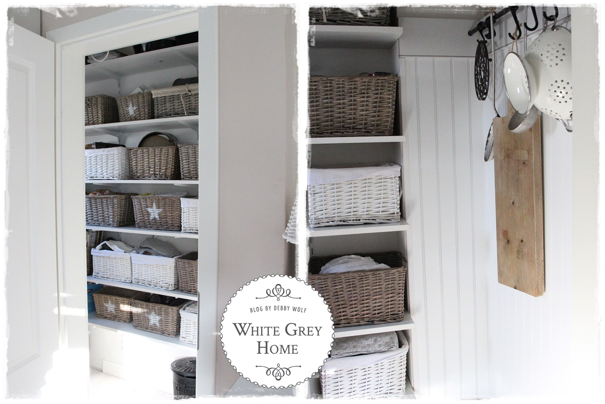 white grey home: Pantry im Landhausstil