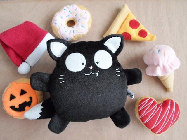 Gato negro niño de Peluche  Regalo nombre Personalizado gatito gótico kawaii  presente halloween navidad catlovers plushies Guyuminos