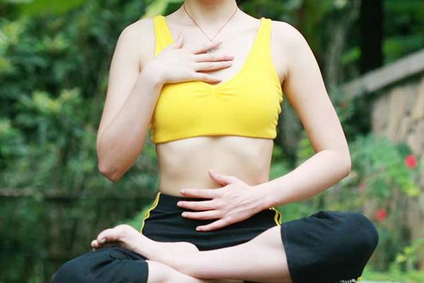 Giảm mỡ bụng bằng cách hít-thở đúng cách-phongkhamdakhoanguyentraiquan1