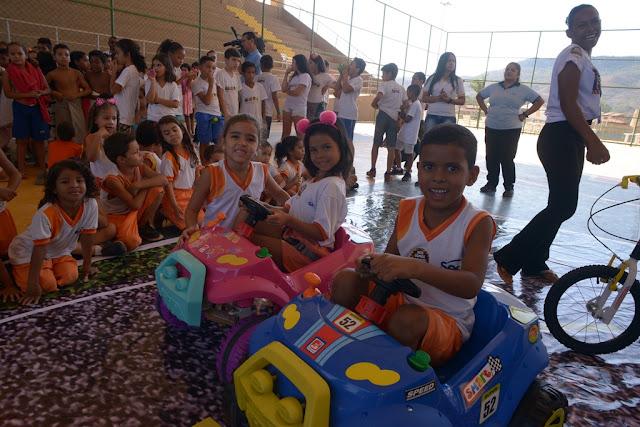 Semana Nacional de Trânsito: Equipe da Cootrans realiza educação interativa na Escola do Sesc no Santo Antônio