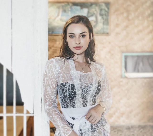 Nora Alexandra Istri Jerinx - igncdpapl