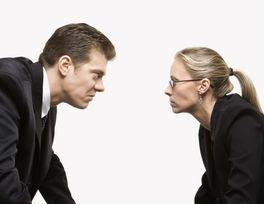 Pengertian, Jenis, Penyebab dan Tahapan Konflik