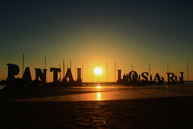 sunset pantai losari