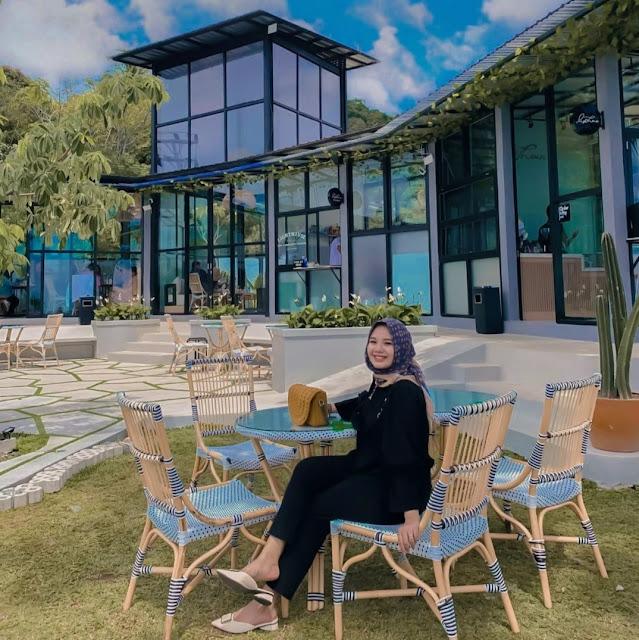 Lokasi dan Harga Menu Lighthouse Cafe Padang at Bukit Lampu