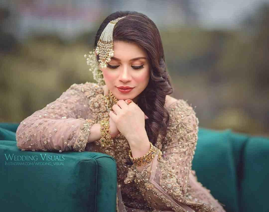 Actress Sidra Batool new pictures